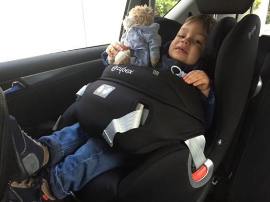 quand mettre bébé face à la route