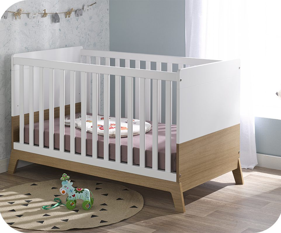 lit bébé bois et blanc